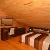 двухэтажный сруб 2-й этаж двуспальная кровать